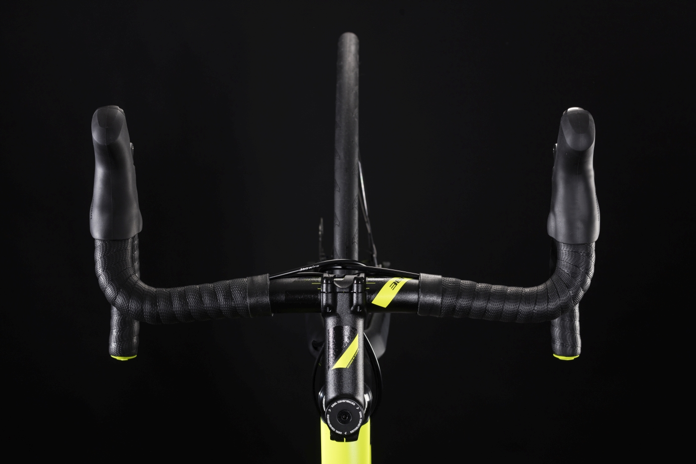 ea7c0a9f79d The 2019 CUBE Attain Race Disc brings a little of the racing spirit to  longer rides, post-work blasts with your training buddies, or regular  training ...